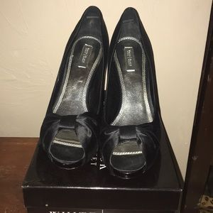 White house black market black bow high heels